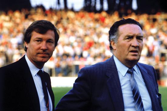 Skottlands manager Jock Stein (høyre) og hans assistent Alex Ferguson, like før Jock Steins død (1985).