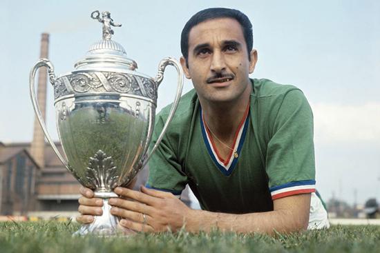 Rachid Mekhloufi vant alt som var å vinne i Frankrike, og trente i 1982 Algerie-laget som beseiret tyskerne.
