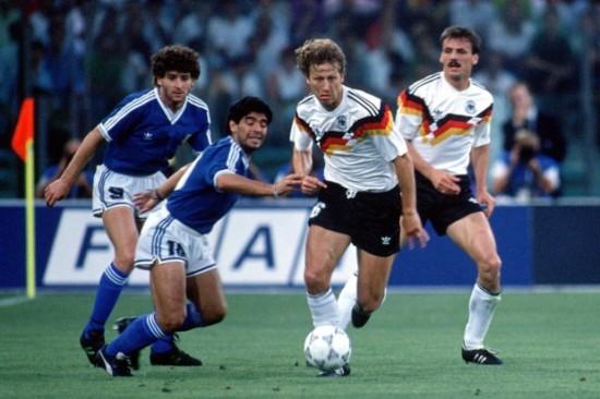 Guido-Buchwald-gegen-Diego-Maradona