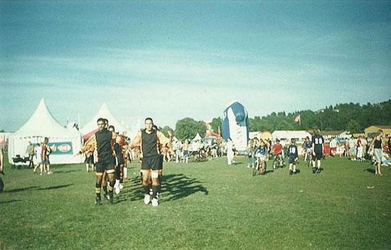 Mahmoud Sarsak til venstre på Ekebergsletta i 2003. Han scoret 16 mål i turneringen og ble kåret til turneringens beste.
