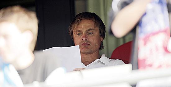Tidligere Vålerenga-investor Øystein Stray Spetalen har uttalt at fotballen er altfor demokratisk.