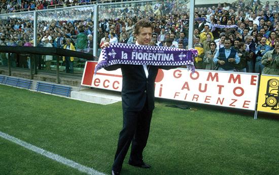 Under filmprodusenten Vittorio Cecchi Gori sin ledelse ble Fiorentina satt under administrasjon og gikk senere konkurs. 16 bevæpnede politimenn raidet også hans romerske residens kalt Palazzo Borghese etter mistanke om bedrageri og bestikkelser. De oppdaget fire gram kokain som Cecchi Gori hevdet bare var safran. I 2013 ble han dømt til syv år i fengsel.