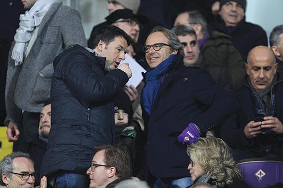 Andrea Della Valle (til høyre på bildet) eier sammen med sin bror Diego majoriteten av aksjene i Fiorentina.