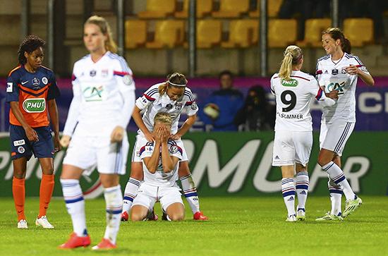 Sunndal-jenta slipper følelsene løs idet det franske cupgullet er spikret. Hun scoret i finalen mot Montpellier.