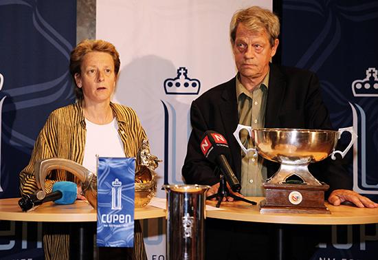 Karen Espelund og Sondre Kåfjord delte ståsted og visjoner for norsk fotball, men havnet på hver sin side i en arbeidskonflikt i NFF-administrasjonen. Konflikten ble en direkte årsak til at Sondre Kåfjord ble vraket som president og Yngve Hallén innstilt ved fotballtinget i 2010.