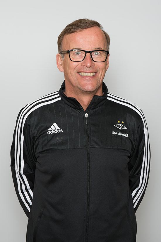 Jon Olav Drogset, leder i Norsk Ortopedisk Forening og tidvis også lege for Rosenborg, er svært kritisk til måten Idrettens Helsesenter driver. Ordningen stenger ute noen av landets beste idrettsmedisinere, noe som til slutt går ut over utøverne.