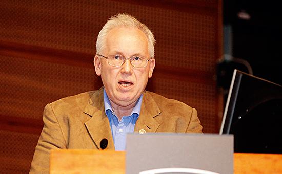 Jan Halstensen er styreleder i Idrettens Helsesenter, som er en av mange roller han har i NFF-systemet. Han var leder av valgkomiteen i NFF da Yngve Hallén ble innstilt som NFF-president.