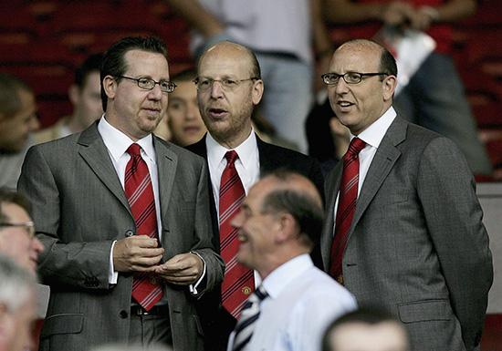 Ved å registrere selskapet på Caymanøyene kunne Glazer-familien sørge for at de som kjøper aksjer i Manchester United ikke får noen som helst innflytelse i klubben.