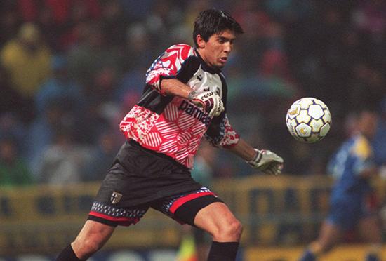 Gianluigi Buffon var en åpenbaring da han som tenåring slo gjennom for Parma.