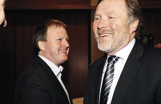 NFF-president Yngve Hallén (t.v) var ikke spesielt populær i Fotball-Norge i 2011. Erik Loe ble lansert som en mulig ny president. Loe ble strøket av listen av kandidater da påtalenemnda i NFF behandlet overgangssaken og innstilte på straff av Loe.
