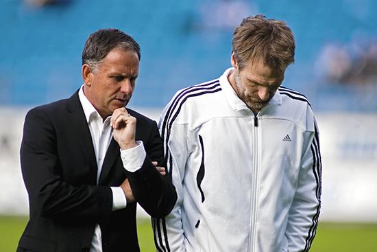 Tidligere Stabæk-trener Jan Jönsson (t.v) ønsket sterkt Veigar Páll Gunnarsson til Rosenborg sommeren 2011. Rosenborgs sportsdirektør Erik Hoftun gikk i forhandlinger med Stabæk om kjøp av islendingen.